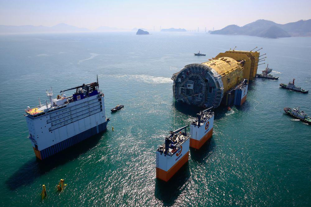 Aasta Hansteen gjøres klar for avreise fra Sør-Korea.