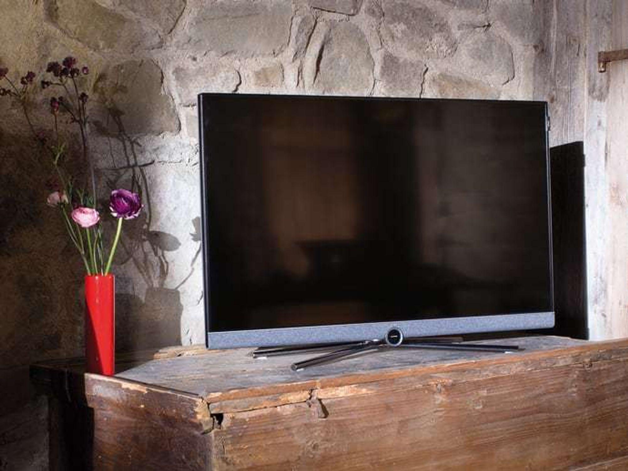 loewe bild 5. Black Bedroom Furniture Sets. Home Design Ideas