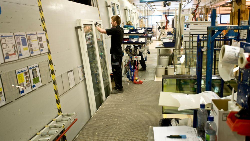 99 prosent av alle forbedringer i produksjonen skjer, uten at fabrikkledelsen ved Gilje Tre er involvert i prosessen.