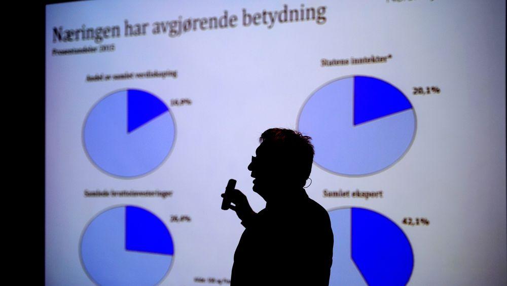Karl Eirik Schjøtt-Pedersen var på OTC-messen i 2015. I år glimrer han med sitt fravær, men trolig har det sammenheng med at Norog må kutte nærmere 30 millioner i kostnader. Bildet er fra 2016 da Schjøtt-Pedersen la fram tall på et møte om situasjonen for norsk oljeindustri.