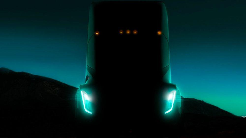 Tesla lanserer semi-trailer neste måned. – Et beist, sier Musk