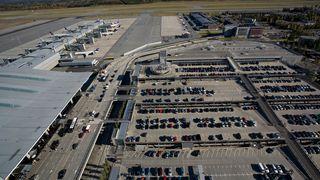 I løpet av året kommer 3000 ladepunkter for elbil på norske flyplasser