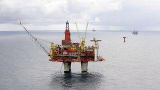 Rapport: Stans i oljeutvinning blir dyrt