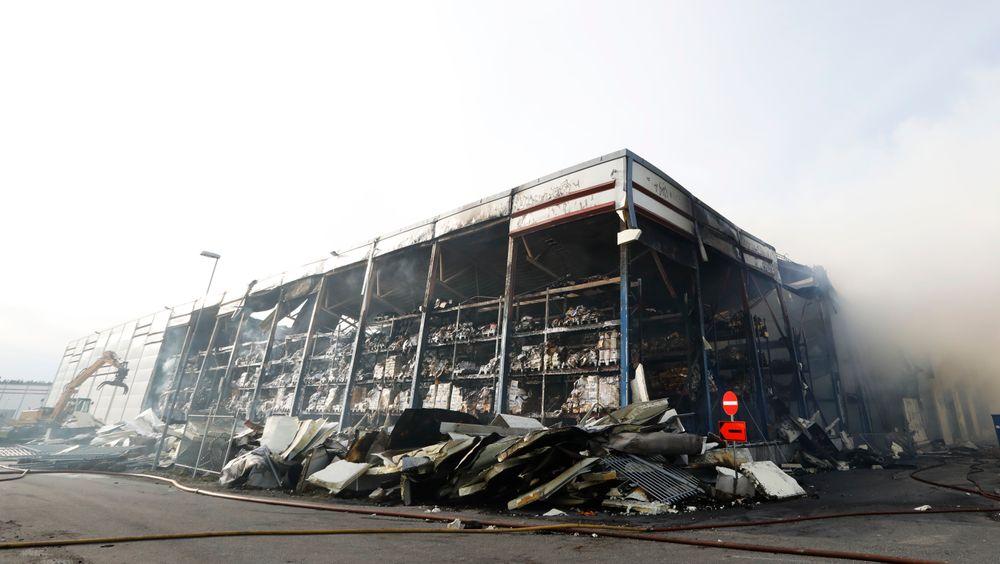 Brannen i Askos varelager i Vestby den 11.april.