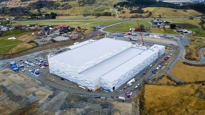 Dette bygget skal lagre mest mulig energi med batteri og en vanntank på 300.000 liter