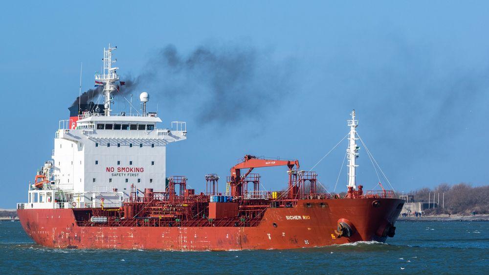 Tungtransport og innenriks skipsfart står for en stor del av norske klimautslipp som ikke er omfattet av kvotehandel.