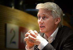 TV 2-sjef Olav Sandnes erkjenner at de har vært for dårlig på å få kvinner inn i de øverste posisjonene.
