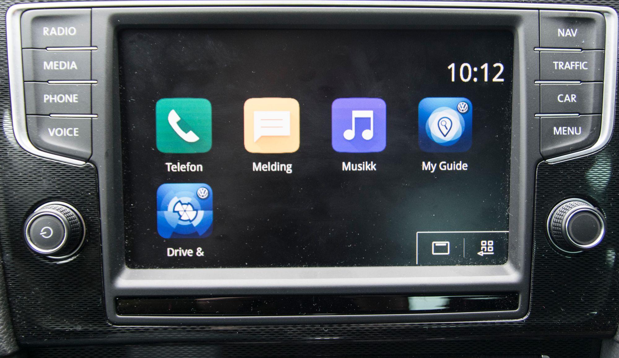 hvordan kan du koble opp din mobiltelefon til din bil