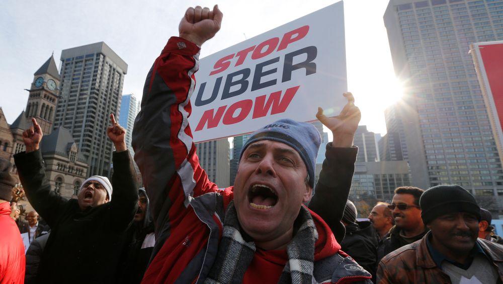 I desember 2015 protesterte Torontos taxi-sjåfører mot at byen besluttet å legalisere tjenester som Uber. Toronto ligger rundt åtte mil sør for Innisfil, som nå har inngått kollektivtransport-avtale med Uber.