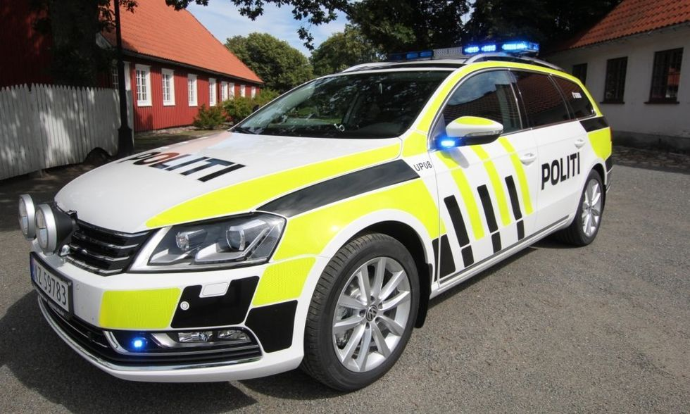 Colour of emergency vehicles : AskEurope