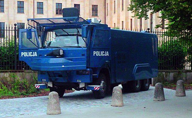 Polsk politiutstyr (4).jpg