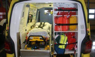 Eksempel på utstyrslagring i ambulanse