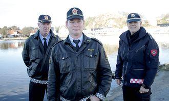 Bjart Gabrielsen, Børge Tronstad og brannsjef Jon Inge Aasen (Foto Ronny Blix, Lindesnes avis).jpg