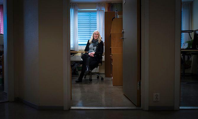 På kontoret på Manglerud politistasjon forberedes dommeravhørene. Angela Claire Wermuth håper imidlertid på et mer samlet fagmiljø.