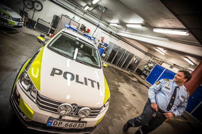 Morten Østraat ved Manglerud politistasjon er fornøyd med nye cruise lights.