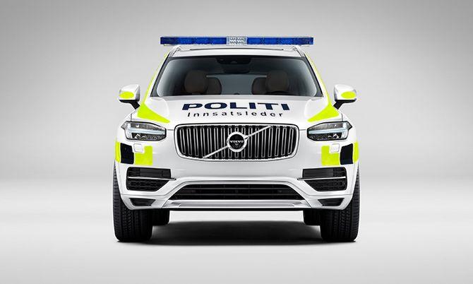 Vil XC90 ligne på dette hvis den blir ny politi-SUV? Bildet er manipulert og uniformeringen er lagt på i ettertid. Volvo/Politiforum