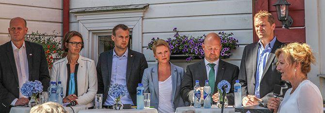 PANELET: Fra venstre: Anders Werp (H), Kari Henriksen (Ap), Kjell Ingolf Ropstad (KrF), Anne Beathe Tvinnereim (Sp), justisminister Anders Anundsen (Frp) og PF-leder Sigve Bolstad. Trude Teige ledet debatten.