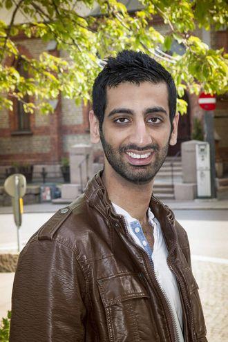 Osnen Khan er leder av valgkomiteen og leter nå etter engasjerte studenter.