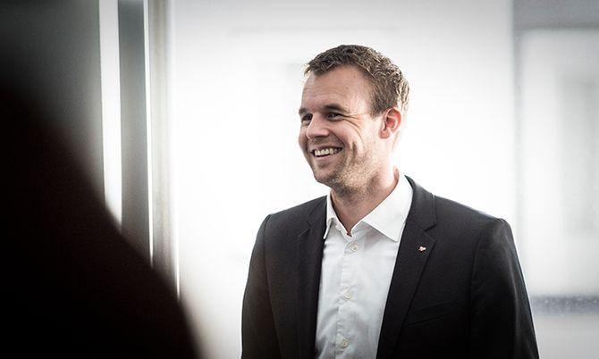 Kjell Ingolf Ropstad fra KrF vil prøve å få gjennomslag for friske penger til nærpoliti.