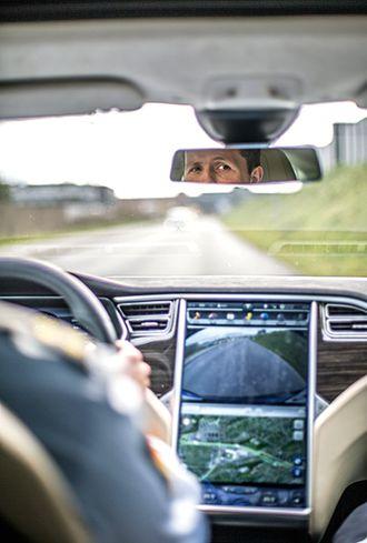 Politi-Tesla1.jpg