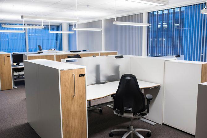 Åpent kontorlandskap er den nye regelen i POD-bygget. Også for sjefene.