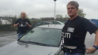 Bjørn Jakobsen (bakerst) og kollega Vidar Skyvulstad som var sjåfør ved hendelsen.
