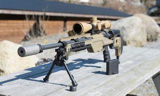 Steyr SSG 08 A1 er det nye skarpskyttervåpenet og skal blant annet være tilpasset mer moderne utstyr enn dagens våpen. Her med lyddemper påmontert.