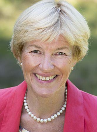 Anne Cahtrine Frøstrup, direktør for Kartverket, skal lede utredningen av særorganene.