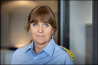 SLIK ER VI VANT TIL Å SE HENNE: Kristin Kvigne, her som politimester i Politiets utlendingsenhet. Snart starter hun i ny jobb.