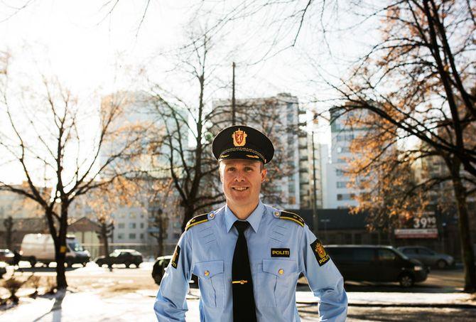 Politiet bør ha bedre systemer for å fange opp diskusjoner og innspill som omhandler taktikker og metoder, mener Hans Petter Lade.