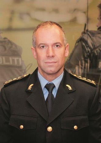 Jon Christian Møller er politiinspektør i POD og har master fra Høgskolen i Hedmark i offentlig ledelse og styring.