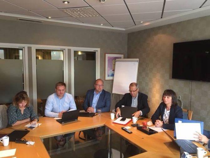ANKAR IKKJE: Fylkesutvalet ankar ikkje Konkurransetilsynet sitt vedtak om å forby salet av Fjord1 til Torghatten.