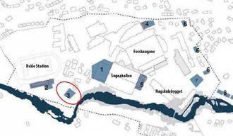MOGLEG PLASSERING: I den såkalla campusplanen er delar av parkeringsplassen på Kvåle (markert med raud sirkel på kartet) sett av til eit signalbygg, der studentbustader er nemnd som alternativ. (Illustrasjon: Sogndal Kommune)