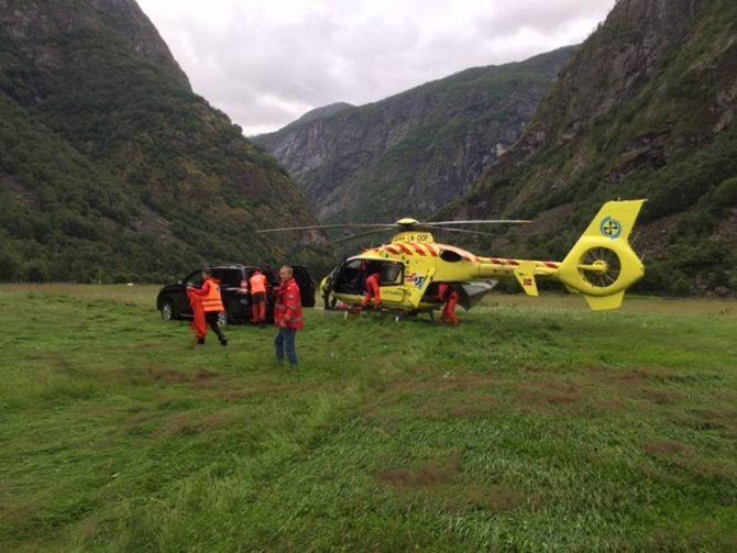 FALT: Kvinna som omkom hadde falt 20 meter utfor stien og deretter sklidd 30 meter nedover ei steinur.