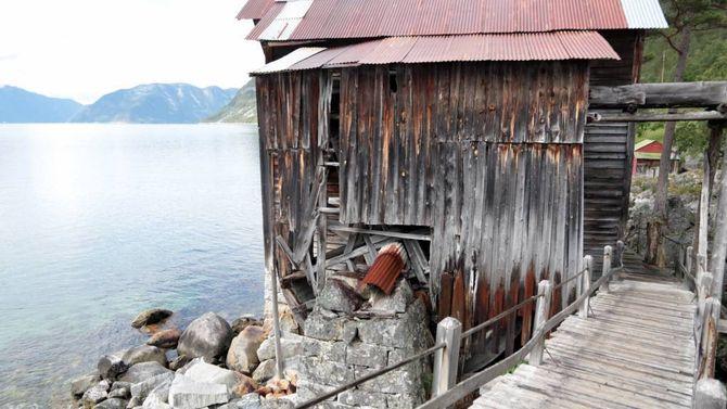 MØLLE: I 1899 vart det sett opp ei mølle. Hit kom difor bønder frå heile Indre Sogn for å male kornet sitt.