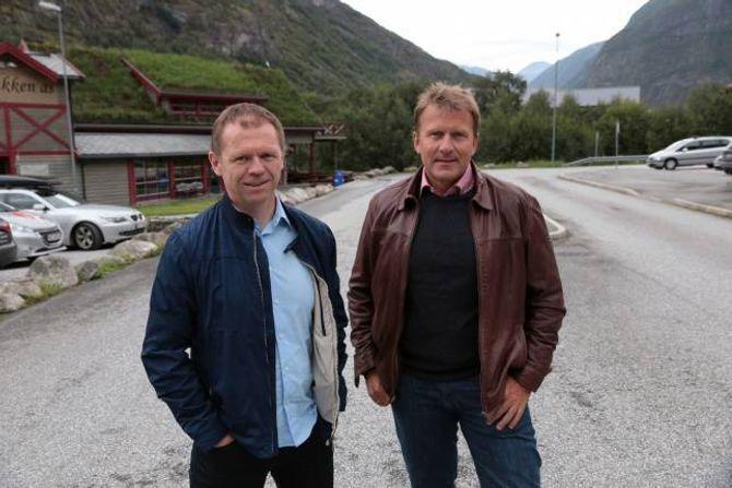 LANG VEG: Arve Tokvam og Jan Petter Vadheim har framleis ein lang veg å gå, men håpar dei til slutt kan lande den ideelle planen for Håbakken.