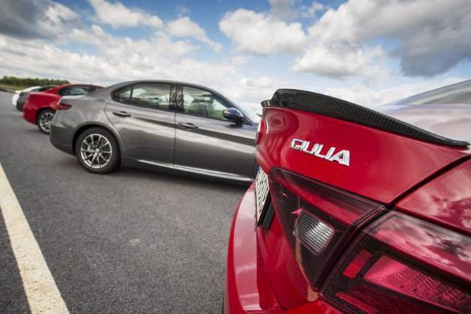 VERSJONAR: Ved introduksjonen kjem Giulia med to dieselmotorar på 150 og 180 hestekrefter, og ein V6-bensin på 510 hestekrefter. På kort tid kjem også ein bensinmotor med 200 hestekrefter som vil kosta frå 485.000 kroner.