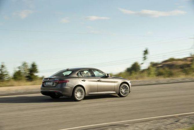 KØYREEIGENSKAPAR: Alfa Romeo har skrudd saman ein veldig artig familiebil.