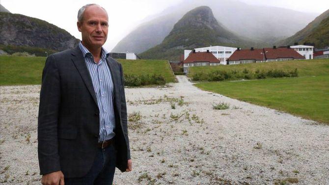 VIL BYGGJA: Dagleg leiar i Handelsbygg, Tore Johan Arntzen, trur handelen etter ei tid vil leggja frå seg skepsisen og vere positive til Europris. Arkiv