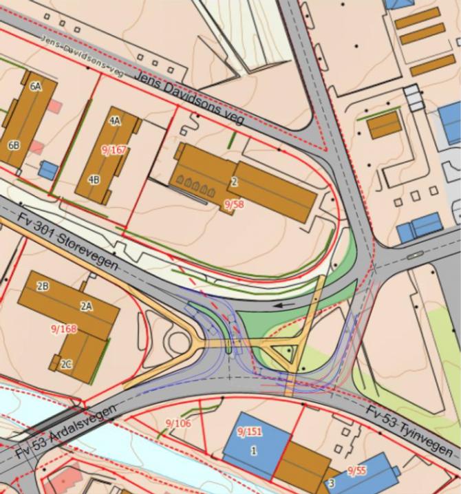 ALTERNATIV B: Alternativ B viser same kryssløysing for Storevegen og Verksvegen mot Fv 53 Årdalsvegen og Tyinvegen, som alternativ A. Frå Verksvegen er det lagt inn eit køyrefelt mot Storevegen, for lokaltrafikk mot sentrum. Dette vil redusere biltrafikken i begge kryssa med Fv 35 Årdalsvegen og Tyinvegen. I krysset er det vist slepekurvar for 15 m buss.