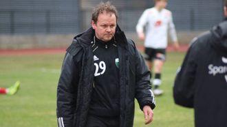 FRAMLEIS HÅP: Årdaltrenar Ivan Øy innrømmer at det er eit stykke opp, men vil enno ikkje gje opp ny kontrakt.