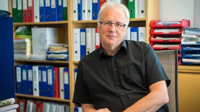 FORSTÅR: Dagleg leiar Hallvard Thomassen i Simas Næring AS fortel han forstår naboane er uroa. Arkivfoto