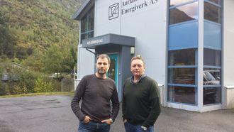 BROT I FORHANDLINGANE: E-verksjefane Per Gullaksen i Lærdal Energi og Helge Morten Vangen i Aurland Energiverk konstanterer at streiken er eit faktum.
