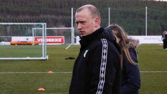 HAR TRUA: Kaupangertrenar Øystein Lindesteg Rinde er nøktern optimist før seriefinalen. Arkivfoto