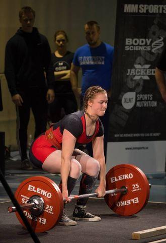 NY PERS: Helene Hovland Hellebø sette ny personleg rekord med fem kilo på dei tre teknikkane, men tykkjer likevel det kunne ha gått betre iNM i styrkeløft utstyrsfritt.