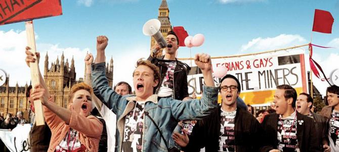 """KULTURKOLLISJON: I filmen """"Pride"""" møter me ei gruppe homofile i London, somidentifiserer seg med gruvearbeidaranes kamp mot makta i Storbritannia året 1984."""