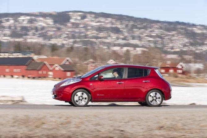 SOLID: Berre 3 av 35.000 Nissan Leaf i Europa har hatt problem med batteria.