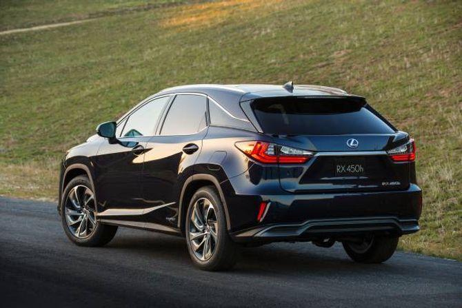DESIGN: Lexus RX får eit barskare design og meir krefter når han blir lansert mot slutten av året.