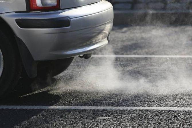MINDRE: Utsleppa av CO2 held fram med å gå tilbake.