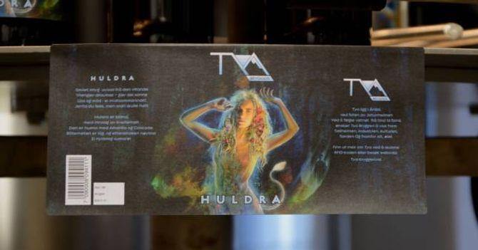 """HULDRA: Førebels ser etiketten til """"Huldra"""", den første ølsorten til Tya Bryggeri, slik ut."""